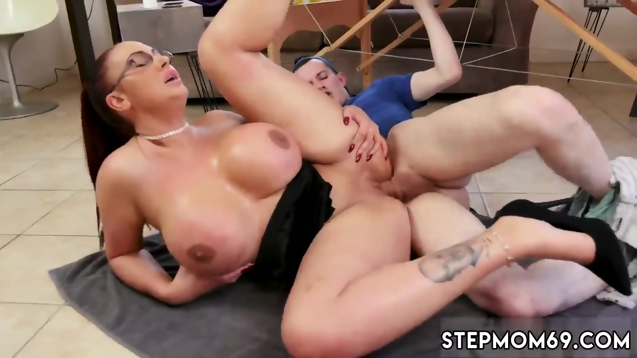 Nude Photo HQ Messy double blowjob screaming facefuck