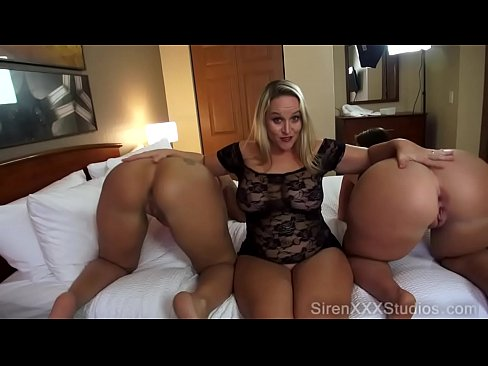 Fat sexy maid double blowjob